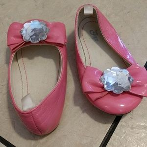 GAP Shoes - Pink flats with bow and jewelry